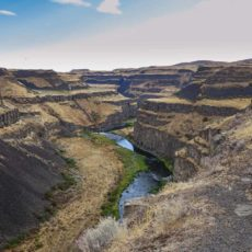 Looking down stream from the falls on the Palouse River in Palouse Falls State Park